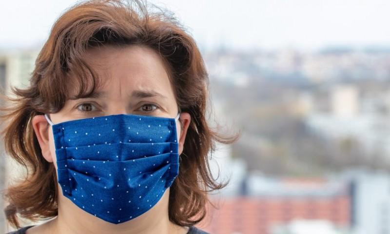 Za većinu su maske tek usputna gnjavaža, no gluhima one onemogućuju komunikaciju