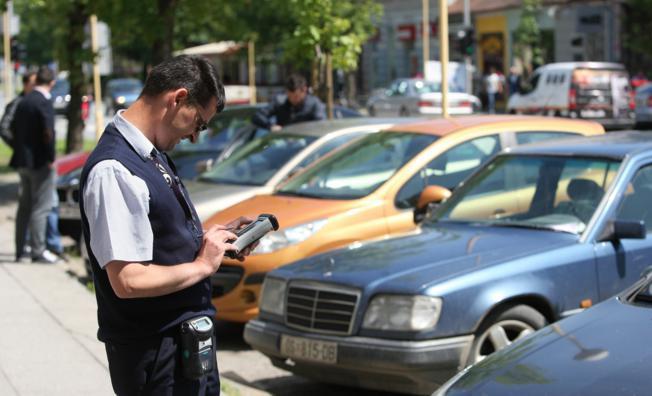 Gluhonijemi Hrvoje uspješno radi kao kontrolor naplate parkinga